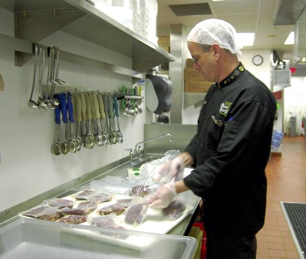 Olive Garden Helps Relieve Hunger Through Olive Garden Harvest
